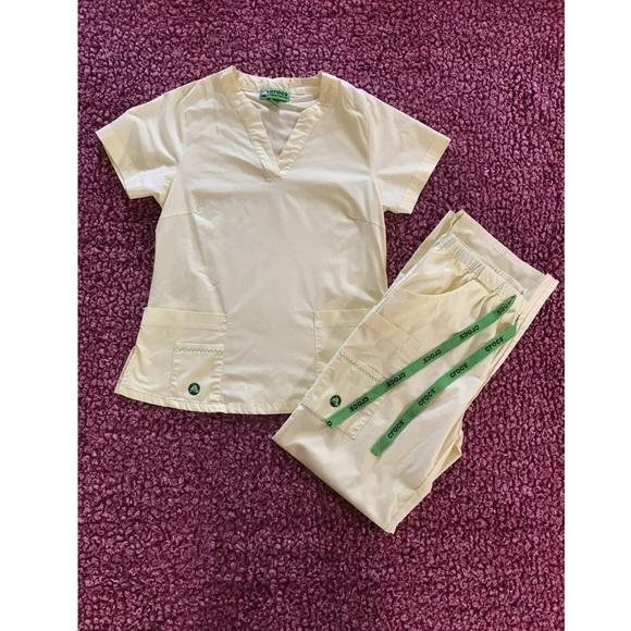 CROCS Yellow S/P Scrub Top and Pants Set